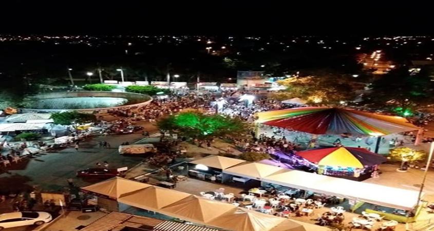 Segunda noite de Carnaval reúne cerca de 12 mil foliões no centro de Paulo Afonso