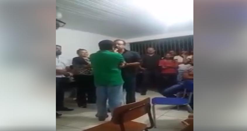Chamado de moleque, prefeito baiano dá tapa na cara de fazendeiro