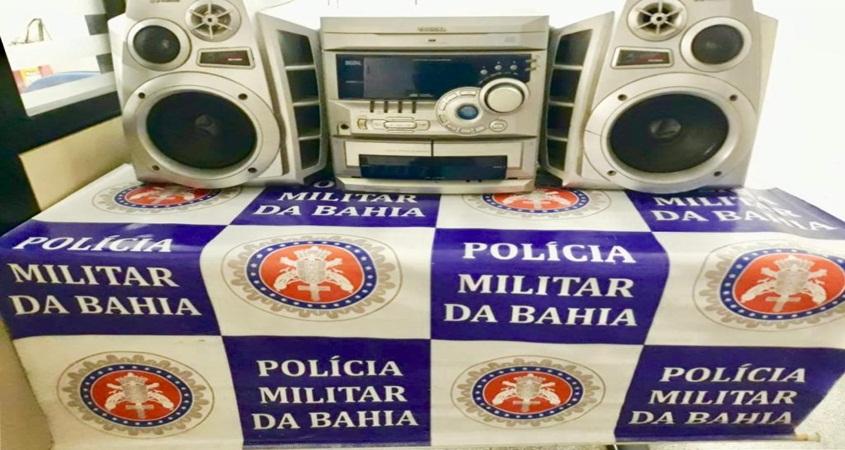 Polícia Militar apreende aparelho de som por perturbação do sossego próximo à delegacia de Paulo Afonso