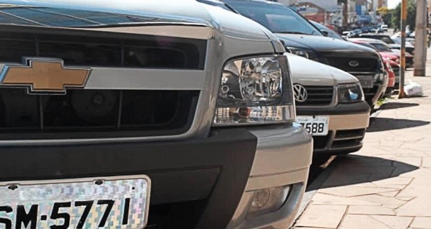 Veículos com placas de finais 1 e 2 têm desconto de 5% no IPVA