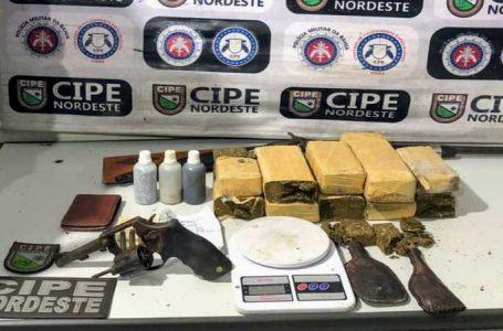 Polícia Militar apreende grande quantidade de drogas no centro de Paulo Afonso