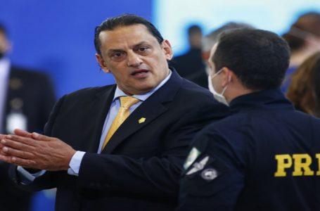 Advogado de Bolsonaro diz que não escondeu Queiroz e nega ser o 'Anjo'