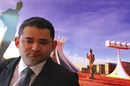 Ao estrear no Programa Ronda 93 da RBN FM, Carlino Souza mostrou para o que veio e deixou políticos apavorados