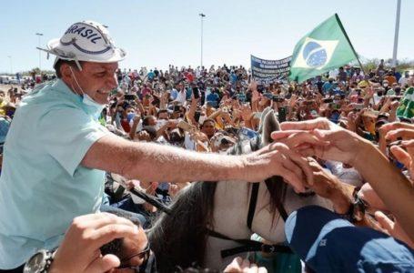 POLÍTICA:  Bolsonaro é recebido por multidão extasiada, aclamado e ovacionado no RS (veja o vídeo)