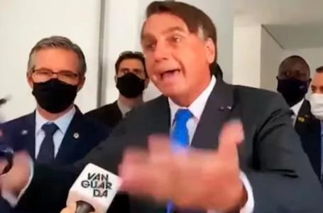 """URGENTE: Ao vivo, Bolsonaro perde a paciência com jornalista da Globo e diz duras verdades """"cara a cara"""" (veja o vídeo)"""