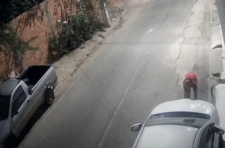 Em uma única madrugada, elemento furta várias placas de veículos em Paulo Afonso